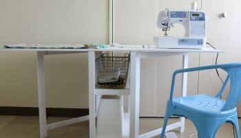Remodelaholic Make A Sewing Table Into A Drink Station