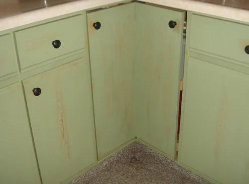 How Many Coats Of Polyurethane On Kitchen Cabinets
