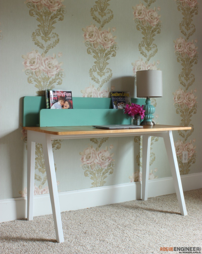 Build the Lindsay Desk: A Simple Modern Desk with a Built-In Organizer -- this is so great for a study corner or family organization center!