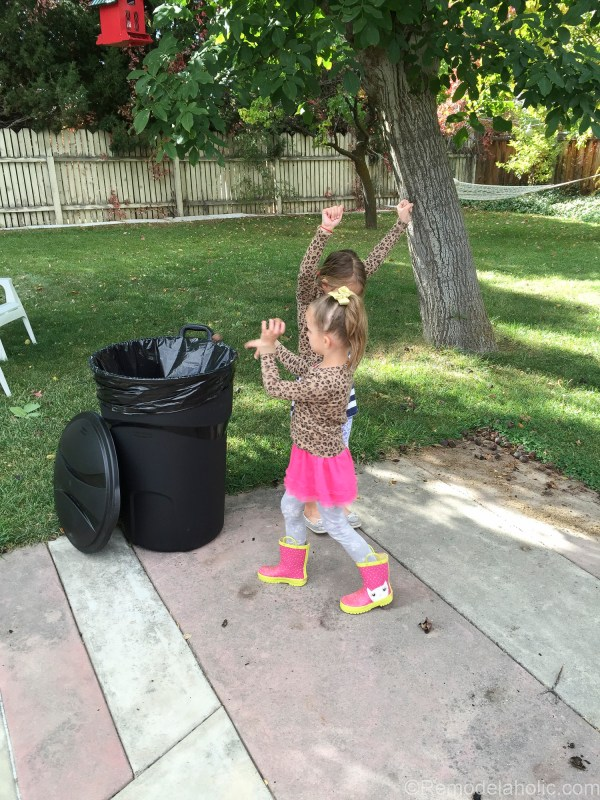 cleaning up the backyard with roughneck @remodelaholic (2 of 9)
