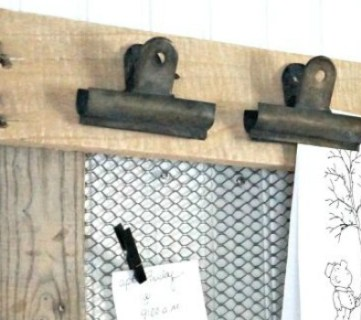 4 Reclaimed and Scrap Wood Projects (Friday Features + Link Party)