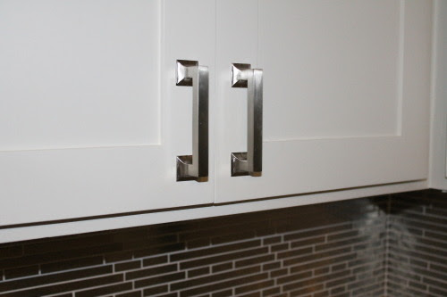new cabinet hardware, construction2style on @Remodelaholic