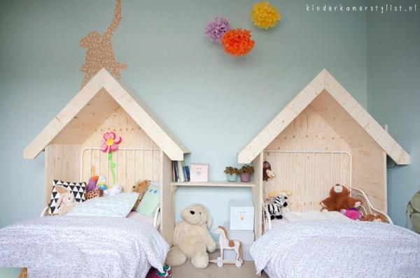 simple wood house headboard and shelf for shared girls room, kinderkamerstylist