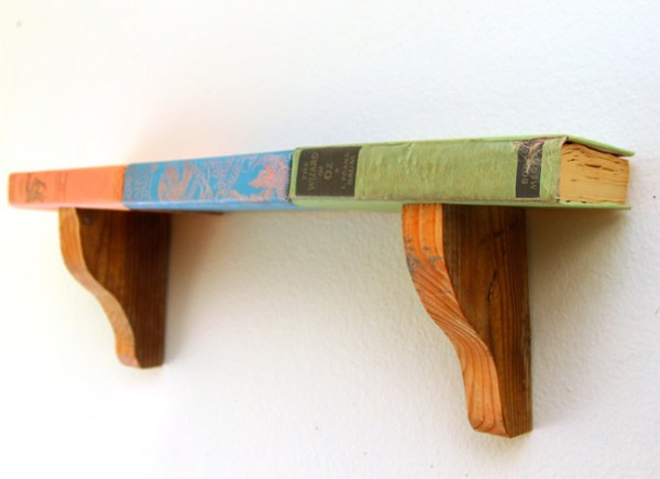 DIY upcycled book shelf tutorial @Remodelaholic