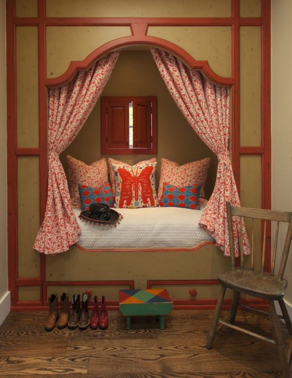 Adorable built-in bed nook! by Violante & Rochford Interiors, photo credit © Wendy McEahern