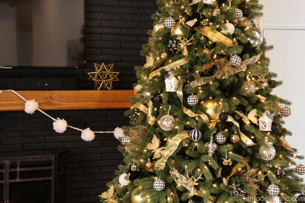 How to decorate an elegant Christmas tree @remodelaholic (2 of 15)