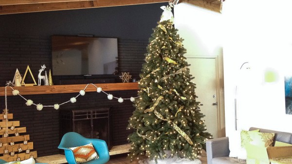 How to decorate an elegant Christmas tree @remodelaholic (6)