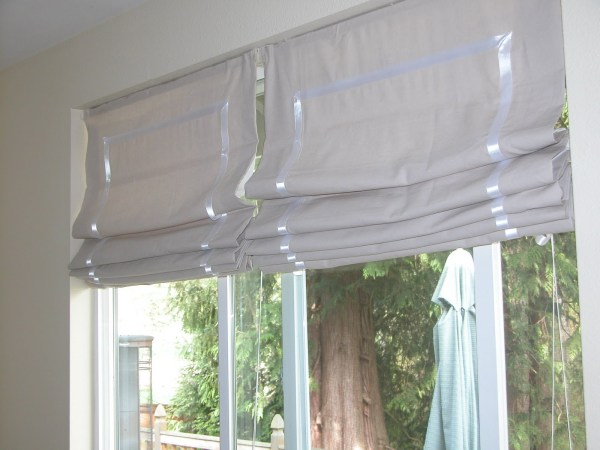 Don't throw away old blinds, reuse them. There are so many ways to use them around the home. Check out these 25 Ways to Repurpose Old Blinds via Remodelaholic.com #oldblinds #upcycle #repurpose #blinds #diy