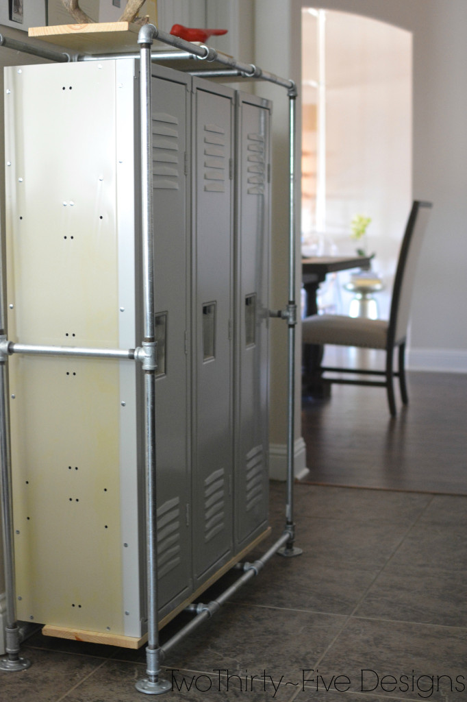 Lockers are the perfect mudroom organizing! | 100+ Beautiful Mudrooms and Entryways at Remodelaholic.com