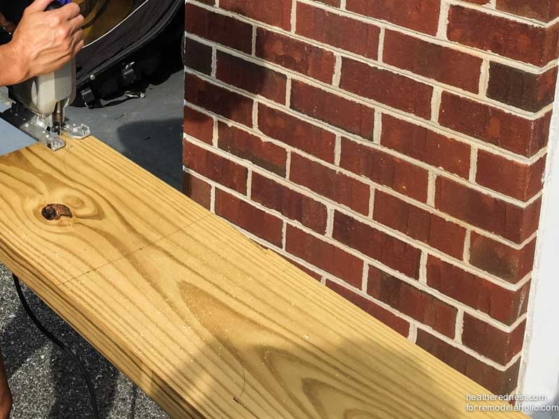 How to cut decorative ends on pergola beams | DIY pergola tutorial www.heatherednest.com for remodelaholic.com
