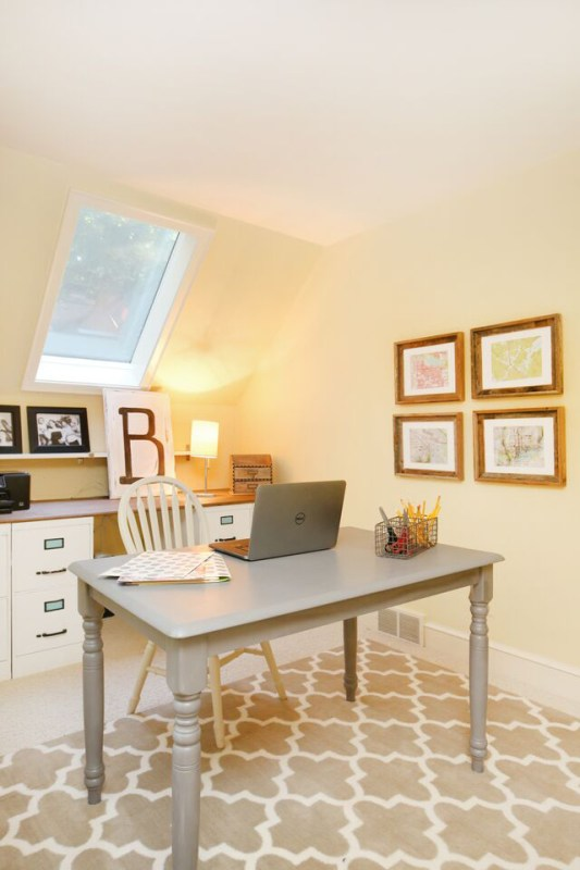 Lovely small home office makeover, done from scratch with a $257 budget, in ONE week while her husband was out of town. Bravo!