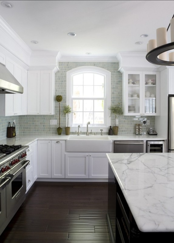 Neutral Colored Subway Tiled Backsplash Home Bunch