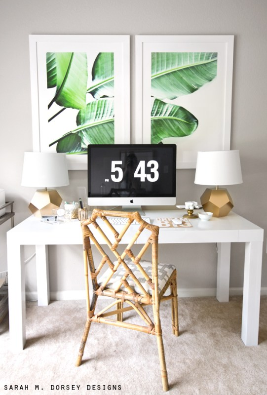 That framed leaf print! | Modern Tropical Style on Remodelaholic.com