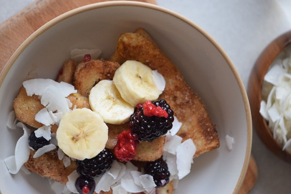 Yummy French Toast Bowls with fruit and cinnamon and sugar