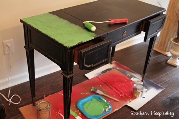 Upcycle an old desk using chalk paint, a complete tutorial by Southern Hospitality featured on @Remodelaholic