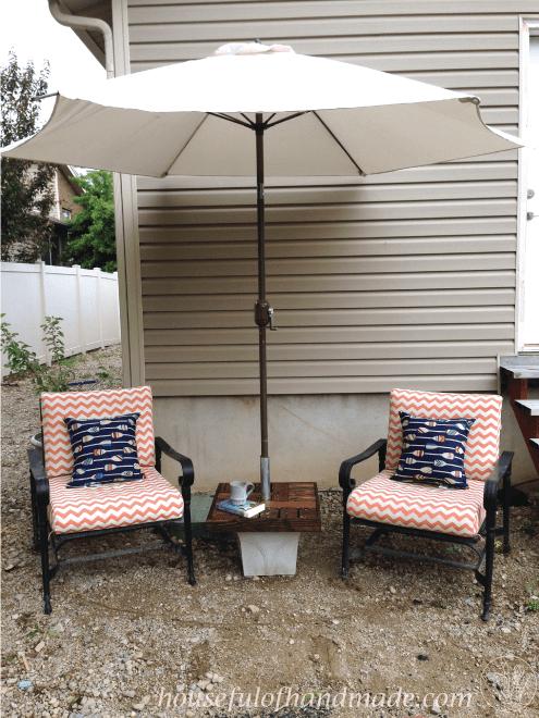Umbrella-Stand-Table Houseful of Handmade