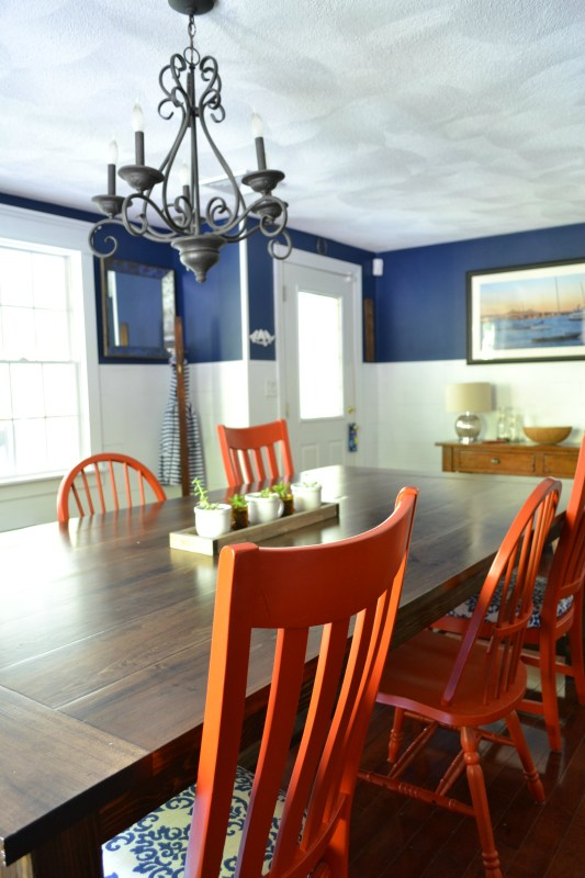 Tutorial for building large farmhouse table by I am a Homemaker featured on @Remodelaholic