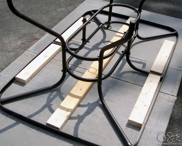 Upcycle a patio table base by building a tiled table top by Q-Schmitz featured on @Remodelaholic