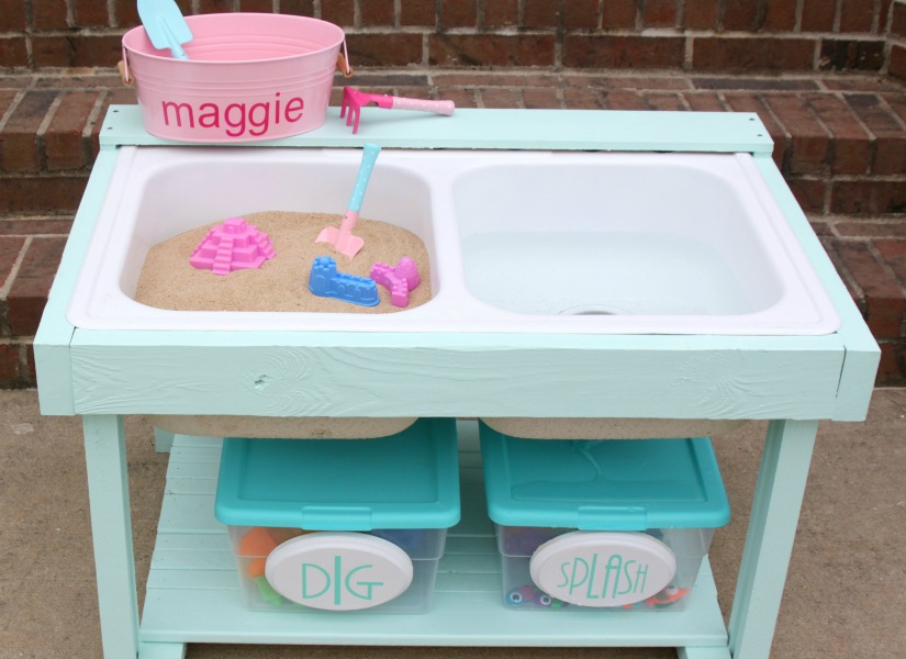 Remodelaholic Build A Kids Sand And Water Table From An