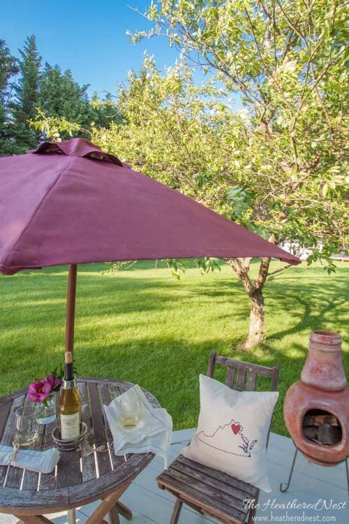 painted-umbrella-DIY-patio-umbrella-makeover-from-www.heatherednest.com-4