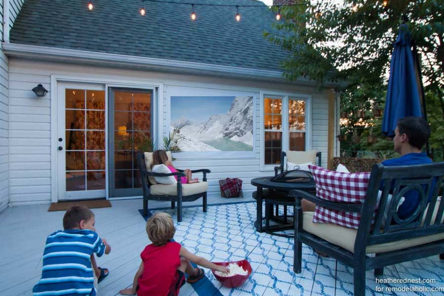 DIY-outdoor-movie-screen-heatherednest.com-1-4