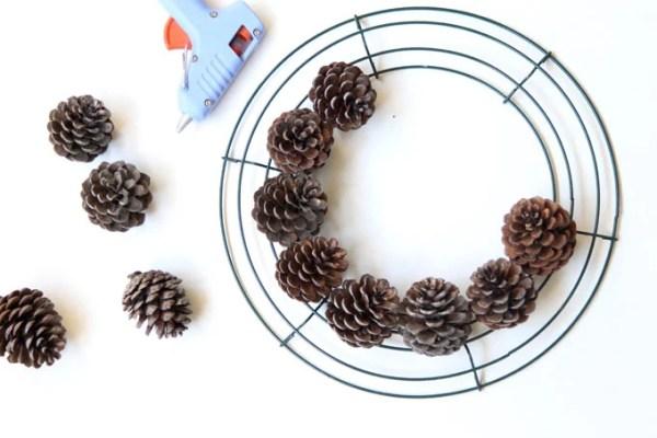 DIY-pinecone-wreath-apieceofrainbowblog (4)