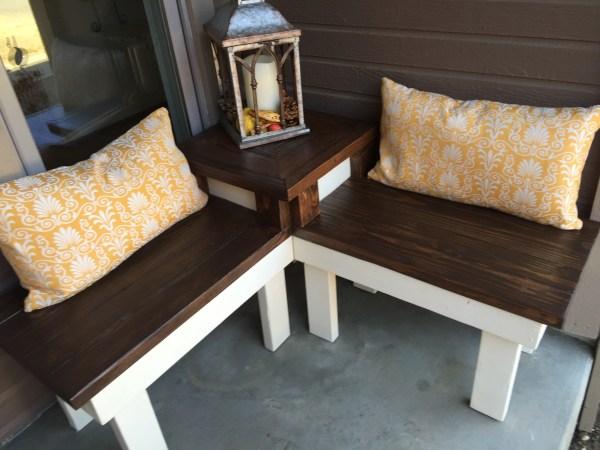 build a corner bench with built-in end table for a porch or patio, Pinspiration Mommy featured on @Remodelaholic