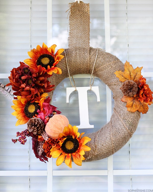 15-diy-fall-wreaths_autumn-wreath-by-sophistishe_remodelaholic