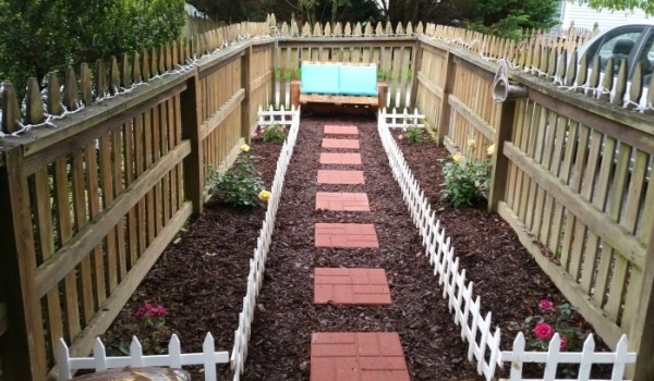 diy-bench-for-garden-by-one-artsy-mama-featured-on-remodelaholic
