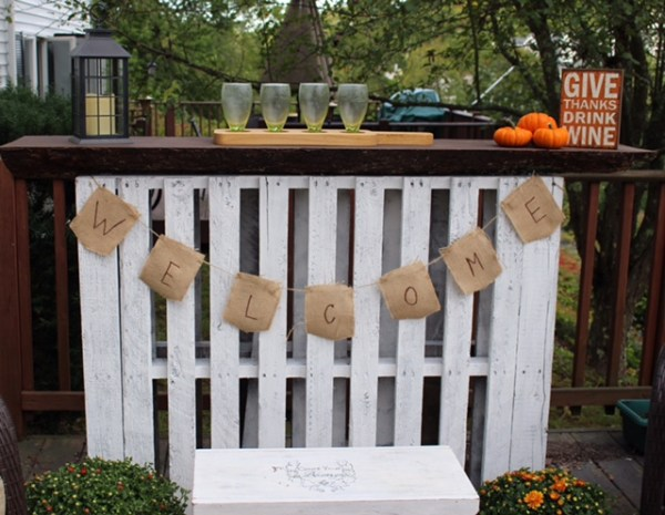 our-crafty-mom-pallet-bar