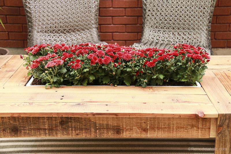rustic-pallet-wood-coffee-table-remodelaholic-9214