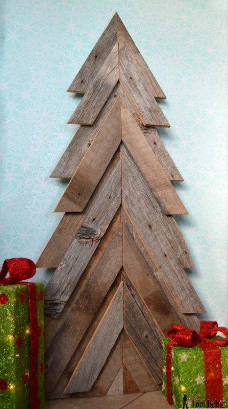 ryobi-rustic-christmas-tree-her-tool-belt