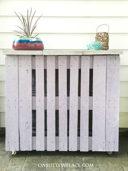 diy-pallet-outdoor-bar-one-sutton-place