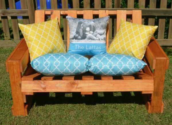 DIY Outdoor Pallet Projects: Pallet Bench Tutorial