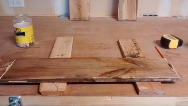 remodelaholic-rustic-pallet-wood-box-5