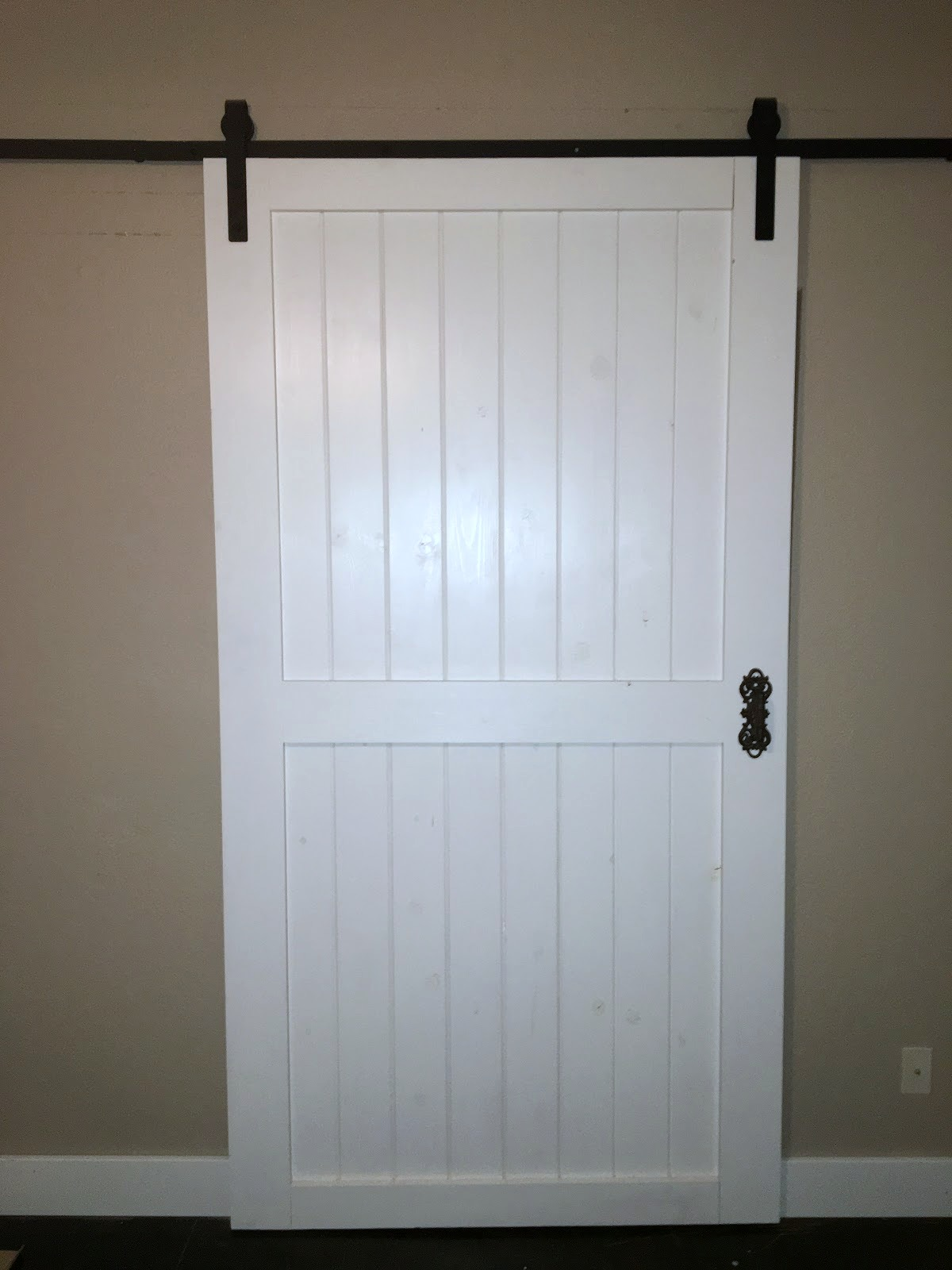 Build this cheap and easy DIY barn door for around $80! Plus tips for finding & Remodelaholic | Cheap \u0026 Easy DIY Barn Door