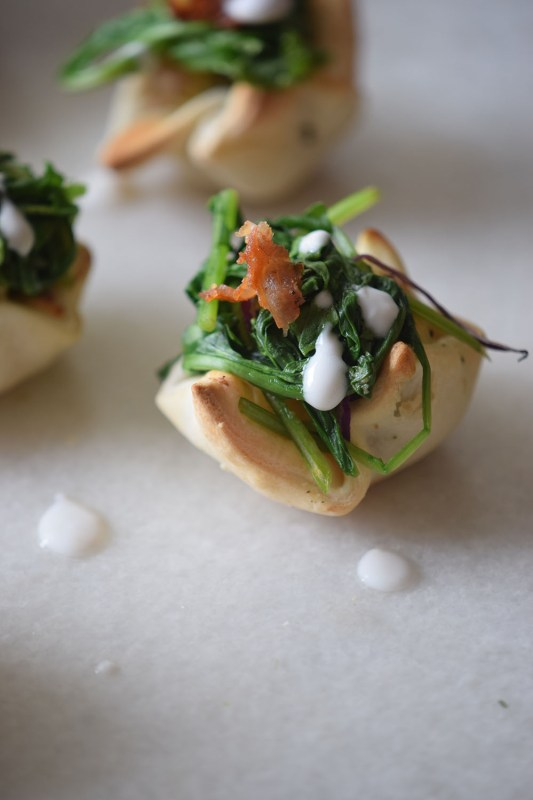 A yummy and pretty appetizer to share at your next party! Cream Cheese Spinach Puffs via Remodelaholic.com