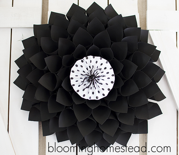 black halloween wreath