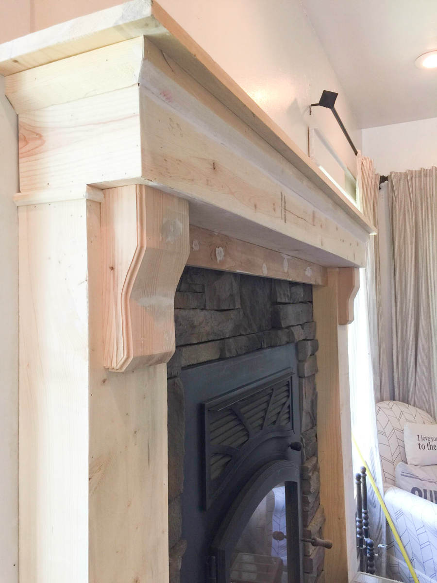 mantel-makeover-with-farmhouse-charm-12