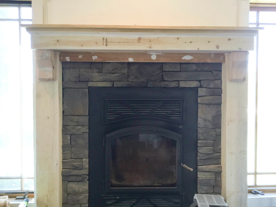 mantel-makeover-with-farmhouse-charm-13