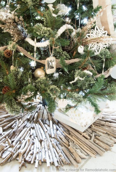 DIY driftwood Christmas tree skirt, the perfect addition to a coastal style Christmas tree and decor