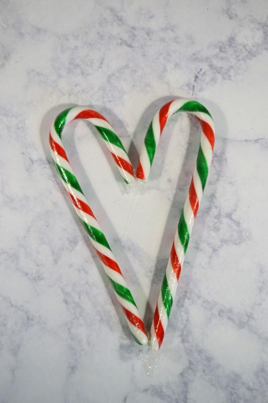Make an adorable candy cane wreath for Christmas