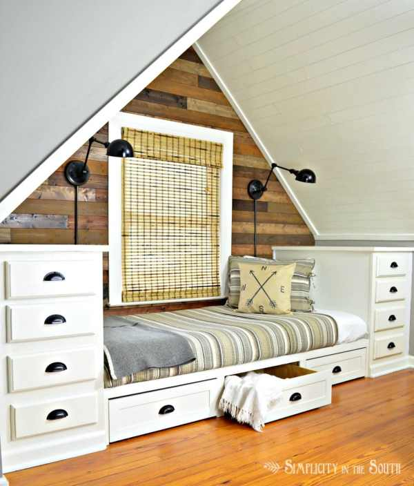Cozy Built In Bed With Trundle Drawers And Dressers