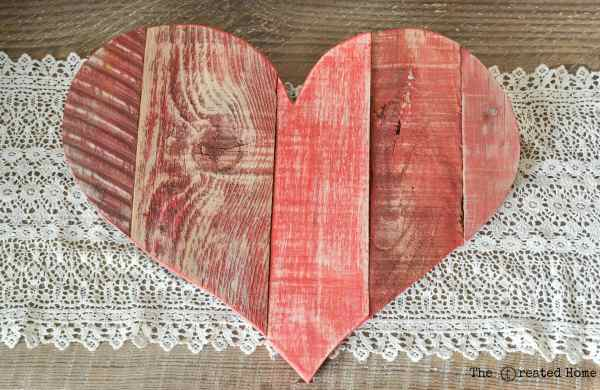 Diy Rustic Pallet Hearts Tutorial, The Created Home On @Remodelaholic (4)