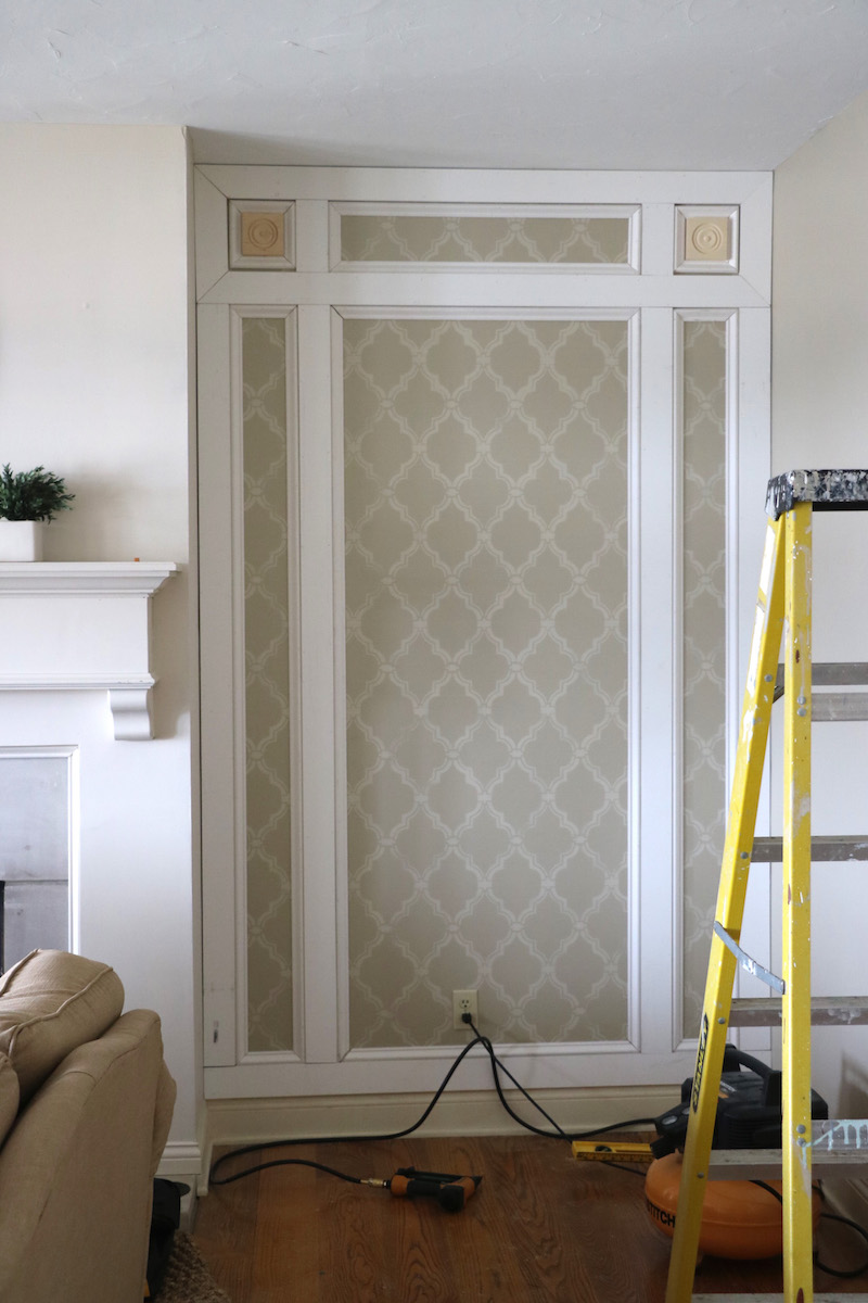 DIY Paneled Wall With Remodelaholic