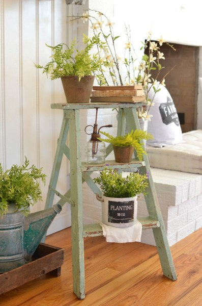 The Cutest Vintage Ladder Spring Entryway 4