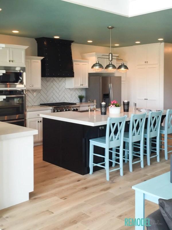 Aqua White Kitchen 4