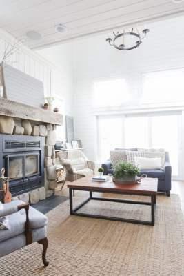 DIY Reclaimed Wood Coffee Table 13