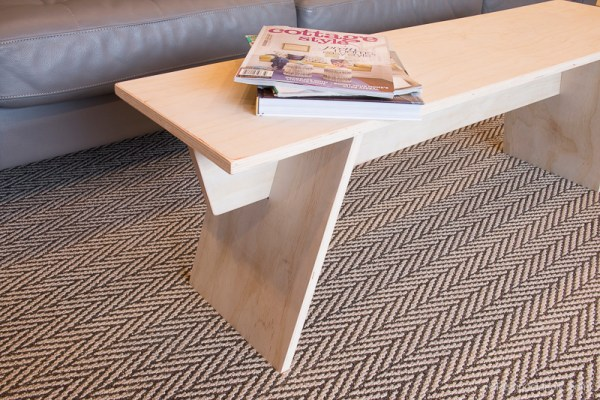 Angled Leg Plywood Bench By Remodelaholic 12 (1)