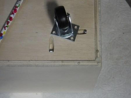 Remodelaholic Plywood Toybox Images (15)